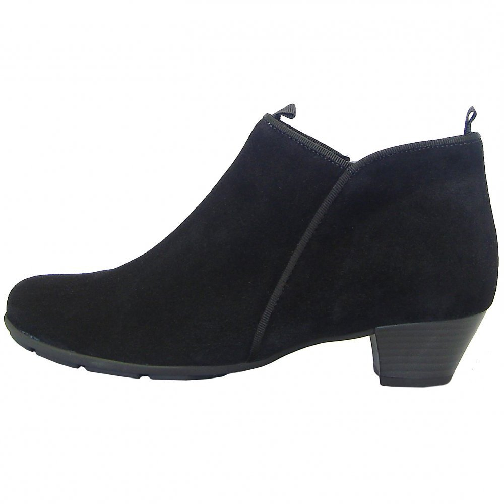 Low Heel Ankle Boots y3Vz04Yp