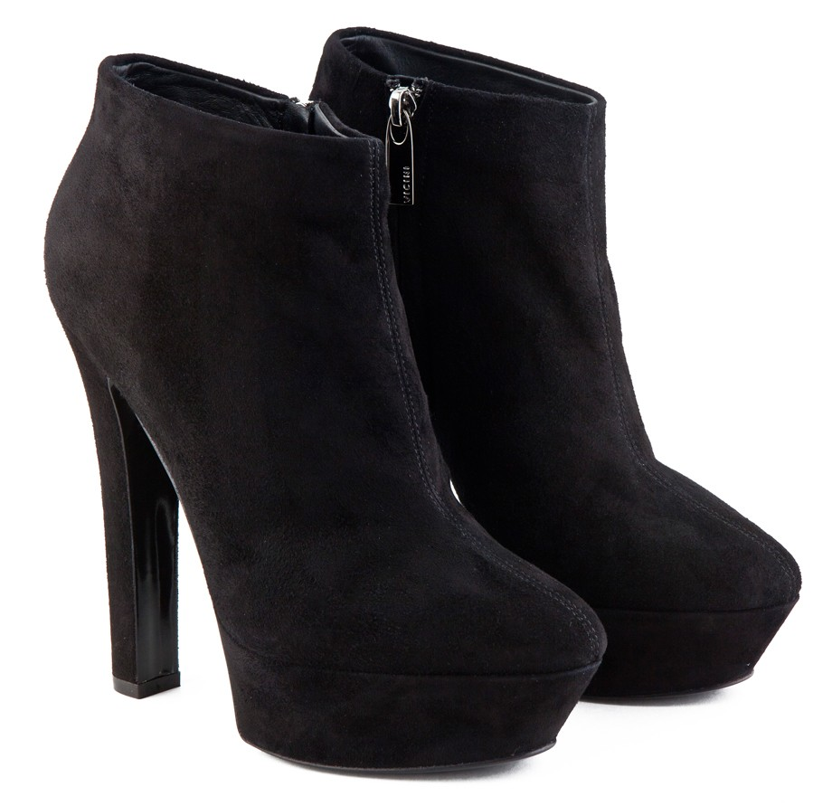 heel ankle boots black